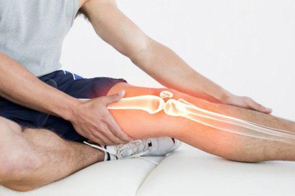 Болят суставы ног, Video: rănit și trosni articulațiilor? Adevăratele motive. Ce să fac?